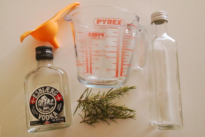 zelf-rozemarijn-water-maken