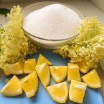 Zomers recept: Limonadesiroop van vlierbloesem
