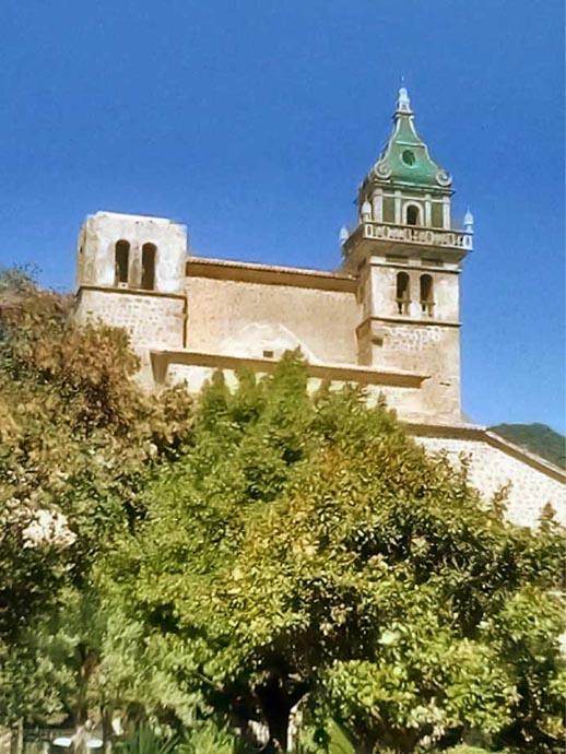 valldemossa-kerk-toren