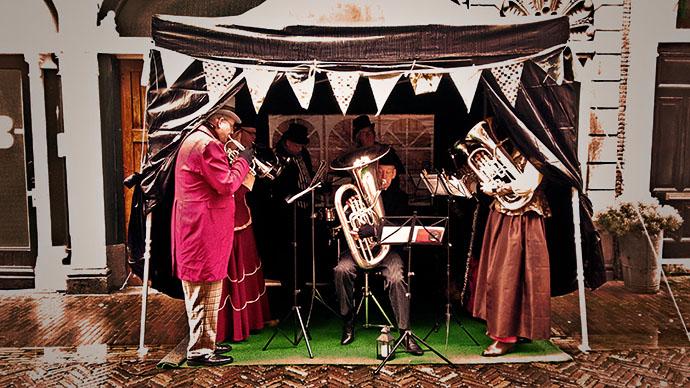straatje-emma-haarlem-brass-muziek