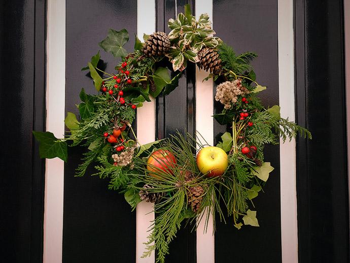victoriaans-zelf-kerst-versiering-kransen-maken
