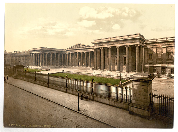 De collonade van het British Museum in 1905