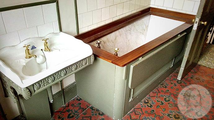 linley sambourne badkamer met marmeren bad
