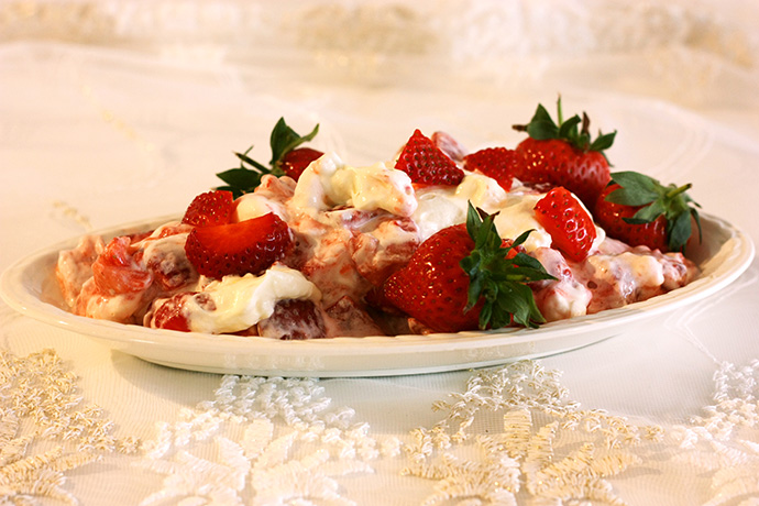 strawberry eton mess met aardbeien