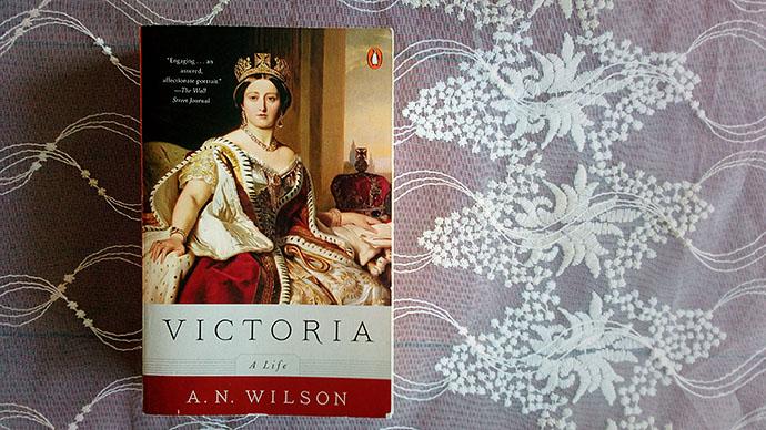 a n wilson victoria a life