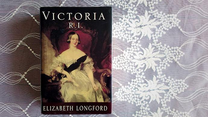 elizabeth longford victoria ri