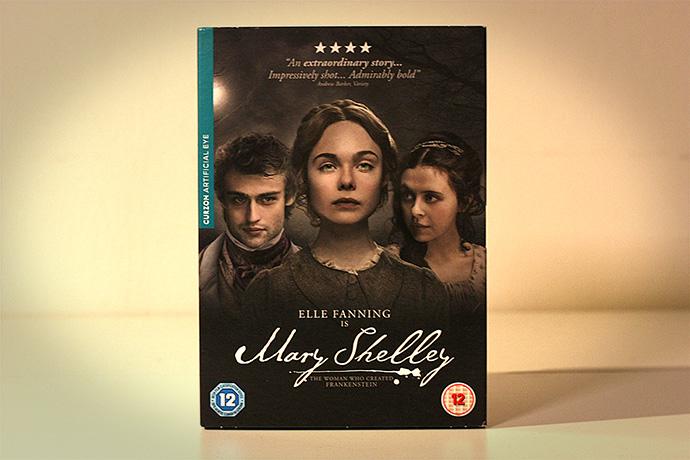 victoriaanse-cadeaus-film-mary-shelley-fanning