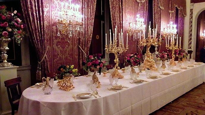 victoriaans-amsterdam-paleis-dam-guriev-servies-dineren