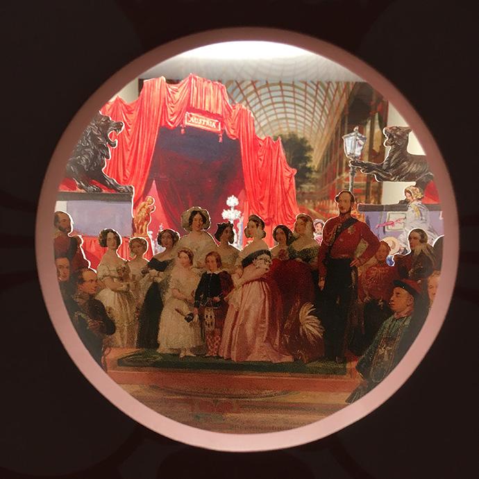 victoria-tentoonstelling-kensington-palace-woman-crown-kijkdoos-crystal-palace