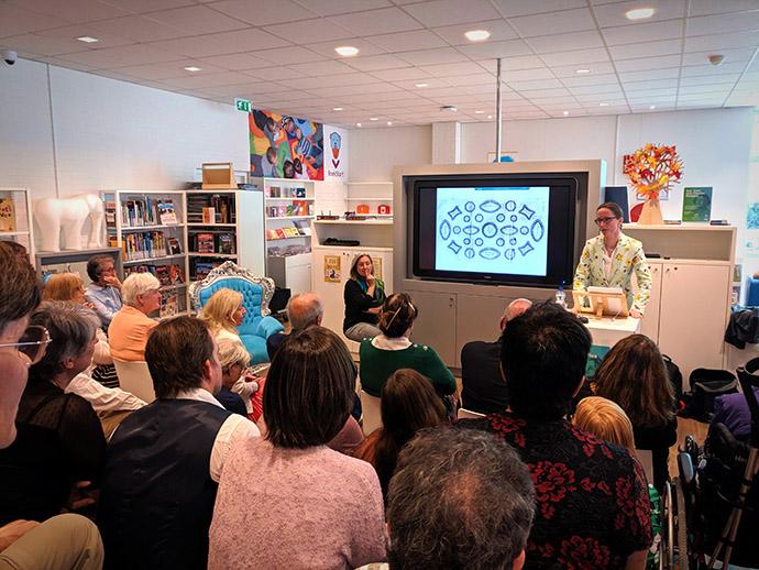 aan-tafel-met-charles-dickens-boekpresentatie-lezing-josephine