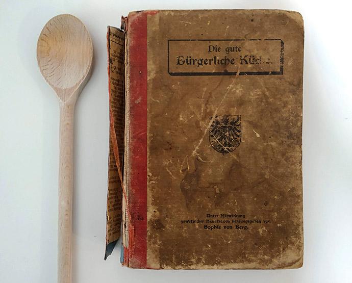 Die Gute Bürgerliche Küche door Sophie von Berg (1906).