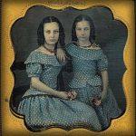 Vrouwen in dezelfde jurk: Kleding kopen in de Victoriaanse tijd