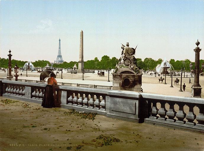 La Place de la Concorde op een fotochroom uit de periode 1890-1900 [Publiek domein].