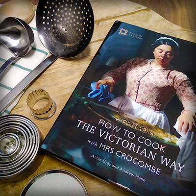 How To Cook The Victorian Way with Mrs. Crocombe, van English Heritage (2020).